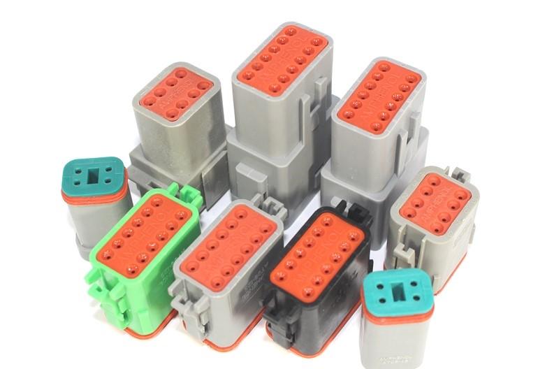 electronic-center-spa-sistemi-di-connessione-e-cablaggio-modena-AMPHENOL AT